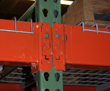 Roll Form Pallet Racking, Tear Drop style